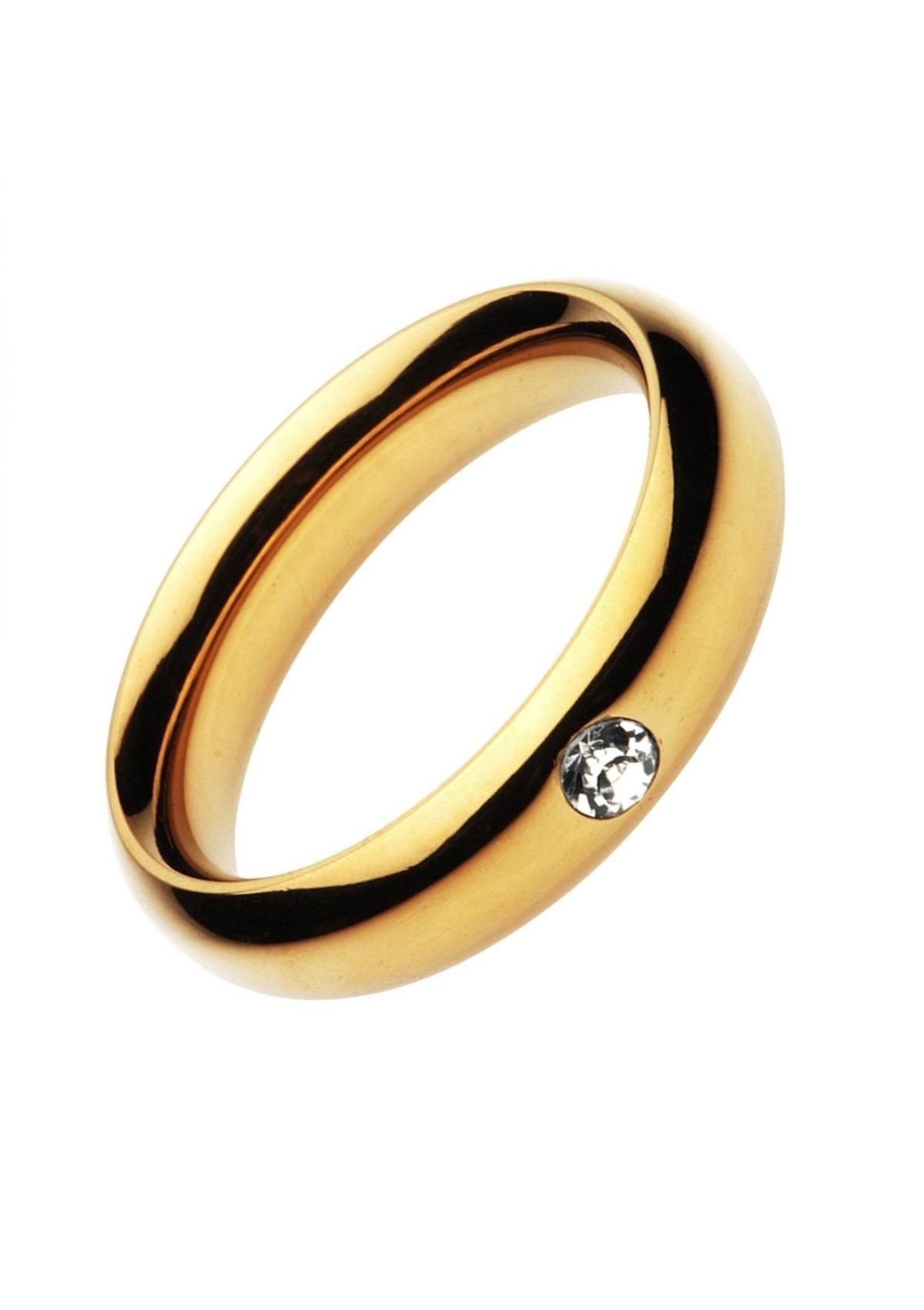Arany színű acél péniszgyűrű-kővel díszítve.