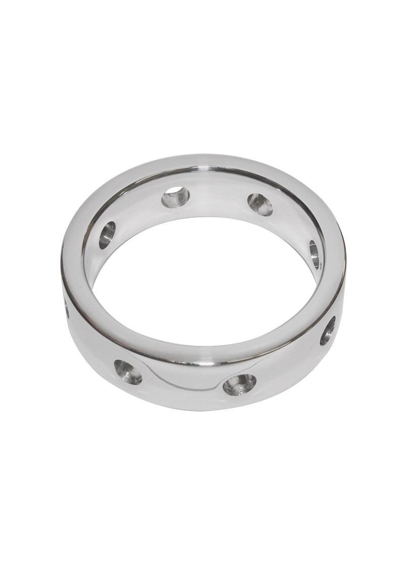 Lyukacsos fém péniszgyűrű.
